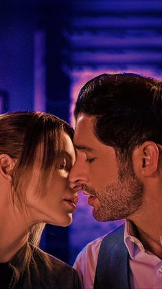 Series Movies, Tv Series, Detective, Lucifer Characters, Chloe Decker, Tom Ellis Lucifer, Lauren German, Movie Couples, Morning Star