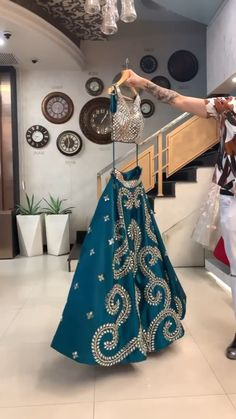 Party Wear Indian Dresses, Indian Gowns Dresses, Indian Bridal Outfits, Dress Indian Style, Indian Fashion Dresses, Indian Designer Outfits, Indian Wear, Designer Dresses, Fancy Dress Design