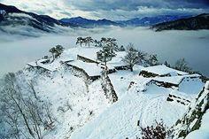 Taketa castle |Asago, Hyōgo:日本のマチュピチュ?天空の城 竹田城跡