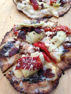Gluten Free Grilled Pizza: Chicken/Artichoke/Bacon with garlicky white sauce.