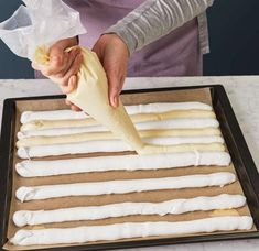 Kardinalschnitten Rezept - [ESSEN UND TRINKEN] Make An Effort, Raising Kids, Butcher Block Cutting Board, Sweet Recipes, Deserts, Tiramisu, Donuts, Muffins, Sweets