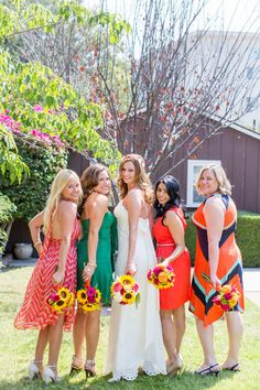 Mixed Prints and Colors for these #Bridesmaids dresses I Chelsea Elizabeth Photography I #mismatchedbridesmaids