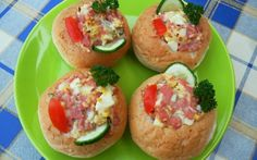 Töltött zsemle Baked Potato, Sushi, Potatoes, Baking, Dinner, Breakfast, Ethnic Recipes, Food, Party