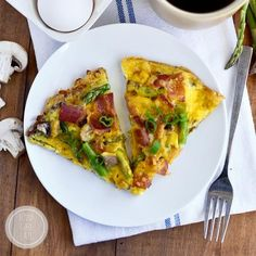 Gluten Free Breakfast Pizza with Hash Brown Crust