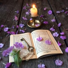 Ana Rosa~My Favorites✨ I Love Books, Good Books, Book Flowers, Never Grow Up, Finding Peace, Writing A Book, Purple Flowers, Wallpaper Backgrounds, Colorful Wallpaper