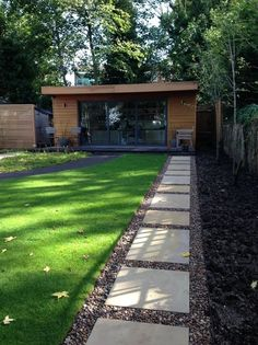 Modern Shed by Amanda Broughton Garden Design