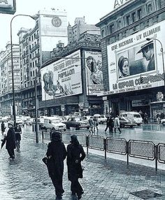 Vintage Pictures, Old Pictures, Spain Images, Barcelona City, Retro Mode, 10 Picture, Like Image, Black White Photos, Around The Worlds