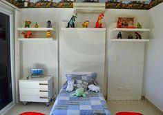 Seis espaçosas suítes temáticas acomodam os moradores e seus convidados com tranquilidade e total privacidade.