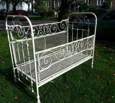 antik kinderbett gitterbett bett metall eisen originalzust. Black Bedroom Furniture Sets. Home Design Ideas