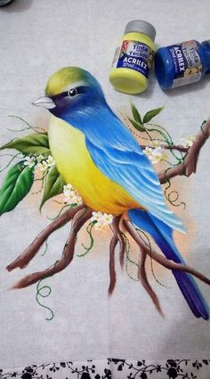 One way to more traditional crafts in Brazilian homes is painting on fabric. Who ever saw a painted dish towel in the house the dining table or grandmother had a home in childhood? Acrylic Paint On Fabric, Fabric Painting, Easy Flower Painting, Flower Art, Flamingo Art, Bird Drawings, Leaf Art, Animal Paintings, Bird Art