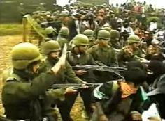 """La Cuarta Guerra Mundial - Documental - """"Por un lado es un sistema de violencia aterradora. En el otro lado estamos todos nosotros. Todos nosotros los que vamos a parar esta guerra…"""" Battle Field, Documentaries, World War, Lets Go"""