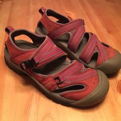 Keen Sandals Size 8.5 Burgundy and Grey Keen Hiking Sandals. Still have tons of life barely worn. Took on a back pack trip to Mexico have sat ever since. Keen Shoes Sandals