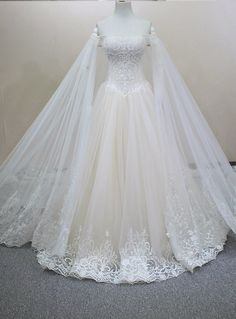 Same as Picture Handmade Luxury Crystals Beading Detachable Veil Customized Size Champagne Wedding Dress Lace 2016 Wedding Dress Train, Dream Wedding Dresses, Bridal Dresses, Wedding Gowns, Flower Girl Dresses, Handmade Wedding Dresses, Pretty Dresses, Beautiful Dresses, Fantasy Gowns