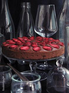 Cream cheese chocolate cake with fresh strawberries