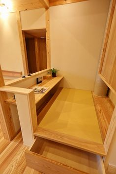 写真09|O様邸/プレズィール/OM /平屋(H28.4.13更新) Small Spaces, Interior Furniture, Japanese Style House, Wood Interior Design, Interior, House, Wood Interiors, House Interior, Tiny House Design
