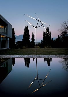 Do you need a new #lamp in your #garden? @Luceplan #Luxury #design #homedecor #penthouse #furniture #villas #livingroom #livingspace #dream #minimal #decor #luxurylife #fornituredesign #madeinitaly #privatehouse #home #interiordesign #musthave #masterpiece