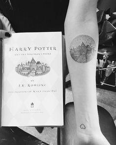 Hp Tattoo Boek Tatoospiercings Harry Potter Tattoos