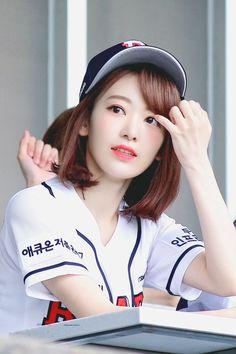 Kpop Girl Groups, Korean Girl Groups, Kpop Girls, Yuri, Kagoshima, Sakura Miyawaki, Honda, Japanese Girl Group, Beautiful Girl Image