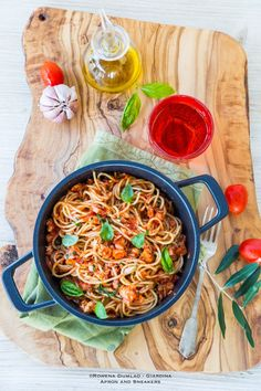 Apron and Sneakers - Cooking & Traveling in Italy and Beyond: Spaghetti with Leftover Rotisserie Chicken Ragù Sauce