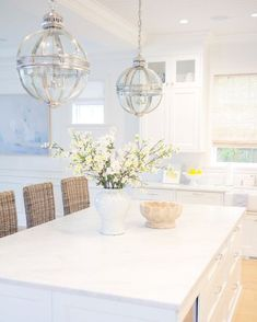 9 Creative Tricks: Coastal Home Luxury coastal house open floor. Rattan Bar Stools, White Bar Stools, Bar Chairs, Home Design, Interior Design, Design Ideas, Les Hamptons, Hamptons Decor, Bamboo Roman Shades