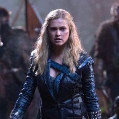 The 100 @ Comic-Con: Season Time Jump, Clarke vs. Lexa and More Scoop