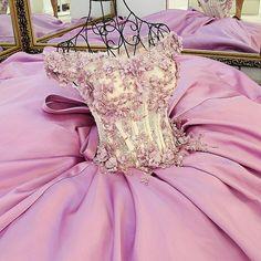d15779f24 ... Vestidos Longos De Festa. Ball Gown Prom Dresses Brush Train Hand-Made  Flower Lace Prom Dress Satin Evening Dress