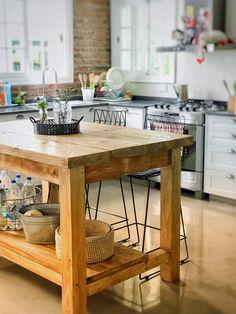 Rustic Kitchen Island, Kitchen Cart, Kitchen Decor, Kitchen Design, Kitchen Cabinets, Stone Bar, Rustic Table, Beautiful Interiors, Home Improvement