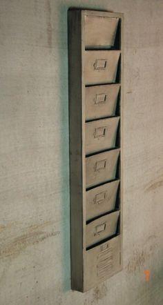 Porte revues industriel métal argenté