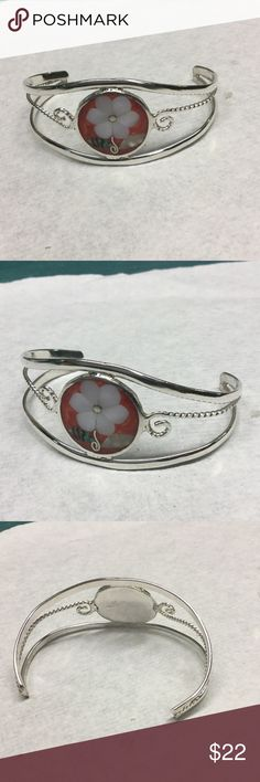 Sterling silver  Mexico Mother of Pearl bracelet Marked.. Excellent condition sterling Silver Jewelry Bracelets
