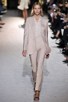 Stella McCartney stylish simplicity