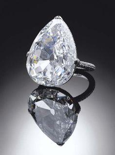 Diamond Rings : Harry Winston - Buy Me Diamond Bling Bling, High Jewelry, Jewelry Box, Jewelry Accessories, Bling Jewelry, Harry Winston, Diamond Are A Girls Best Friend, Beautiful Rings, Diamond Jewelry