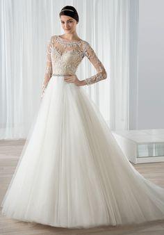 Wedding Dresses:   Illustration   Description   Tulle ball gown wedding dress with lace appliques | Demetrios 591 | trib.al/FKH1way    -Read More –   - #WeddingDresses https://adlmag.net/2018/01/05/wedding-dresses-tulle-ball-gown-wedding-dress-with-lace-appliques-demetrios-591-trib-al-fkh1/