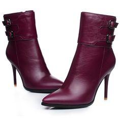 3c51a89b79360 82.5  Véritable cuir martin femme bottes de moto nouvelle arrivée de mode  femme hiver et en automne femme courtes bottes chaussures femmes dans  Bottines de ...