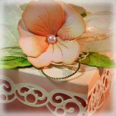 Crafting The Web: Peach Pansy Box