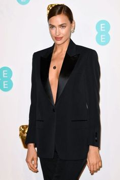Irina Shayk Irina Shayk, High End Fashion, Red Carpet, Suit Jacket, Blazer, Suits, Elegant, Jackets, Style