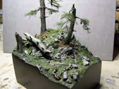 trees diorama moss glued tones made thing painted foliage green Miniature Trees, Miniature Houses, Model Tree, Warhammer Terrain, Wargaming Terrain, Model Hobbies, Military Diorama, Fantasy Landscape, Scale Models