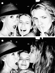 ahs sarah paulson emma roberts and lily rabe - America Horror Story♥ American Horror Story Coven, American Love Story, Ahs Cast, Bae, My Sun And Stars, Evan Peters, Emma Roberts, Film Serie, Camila
