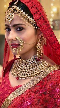 Bridal Makeup Images, Bridal Makeup Looks, Bride Makeup, Bridal Looks, Indian Bride Poses, Middle Eastern Makeup, Samantha Photos, Snake Girl, Bride Portrait
