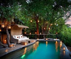 Morukuru Lodge. Decorated with lanterns, an infinity pool offers serenity and privacy.