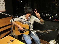 [Champagne]川上洋平2011/2/3 80.LOVE TOKYO FM 「RADIO DRAGON」昨年7月から約半年ぶりに、マンスリードラゴンに帰ってきた!毎回、スタジオ生演奏を披露してくれるそうなので、最後までお聴き逃しなくっ!