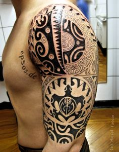 Tatouage maorie Polynesian tattoo designs shoulder Maori