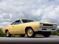 1969 Dodge Coronet Super Bee  #cars #coches #carros