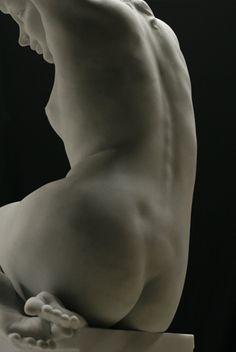 Cariatide Ruiva, 2009  // sculpture by Cicero d'Avila