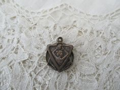 Art nouveau locket 1910 for the collector by Nkempantiques on Etsy