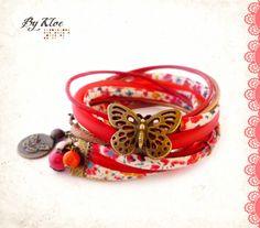 Bracelet manchette à rangs Liberty fleuri et cordons cuir, nylon et caoutchouc, beige, orange, et rouge : Bracelet par bykloe