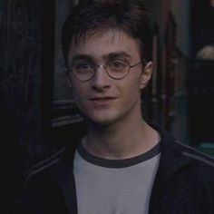 """HARRY JAMES POTTER - been through hell and back - so kind and compassionate and forgiving and sassy and brave - underfuckingappreciated"""" Harry Potter Twins, La Saga Harry Potter, Harry Potter Draco Malfoy, Harry James Potter, Harry Potter Aesthetic, Harry Potter Fandom, Hermione, Harry And Ginny, Harry Potter Halloween"""