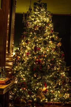 Christmas tree classical dream new year