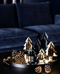 Christmas Trends – Colors, Designs and Ideas , Christmas Decorating Trends 2019 / 2020 – Colors, Designs and Ideas , Product Design Source by interiorzine Christmas Trends, Noel Christmas, Christmas Design, Christmas Colors, Christmas Inspiration, Christmas And New Year, Christmas 2019, White Christmas, Home Decor Trends