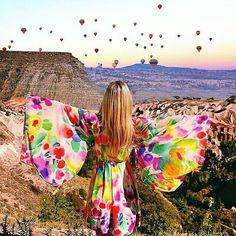 Magical Cappadocia - Turkey  @miss.everywhere  Double Tap if you Love Ballon . #greatesttravels #wanderlust #trip #lpfanphoto #aplacetoremember #topview #vocenomundo #viagem #bucketlist #traveling #destinavo #luxwtprime #bbctravel #bpmag #luxurytravel #topview #beahero #fantrip #selfievip #vacationwolf by selfiepelomundo