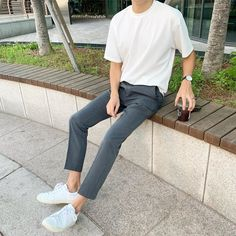 80s Fashion Men, Korean Fashion Men, Korean Street Fashion, Fashion Outfits, Stylish Mens Outfits, Casual Outfits, Korean Outfits, Aesthetic Fashion, Mens Clothing Styles